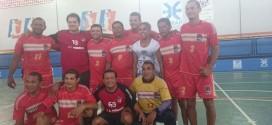 Seleção de Handebol de Pindaré Mirim faz partida ao lado de campeões mundiais
