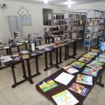 Mais de 100 livros foram entregues na manhã desta sexta - feira (30) a Biblioteca Municipal de Pindaré Mirim. Foto: William Junior/Portal Pindaré