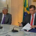 Governador Flavio Dino sanciona lei