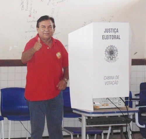 henrique-salgado-votando