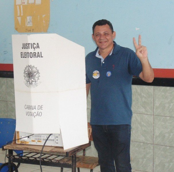 alexandre-votando