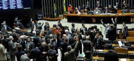 Câmara faz sessão nesta semana para votar denúncia contra Michel Temer