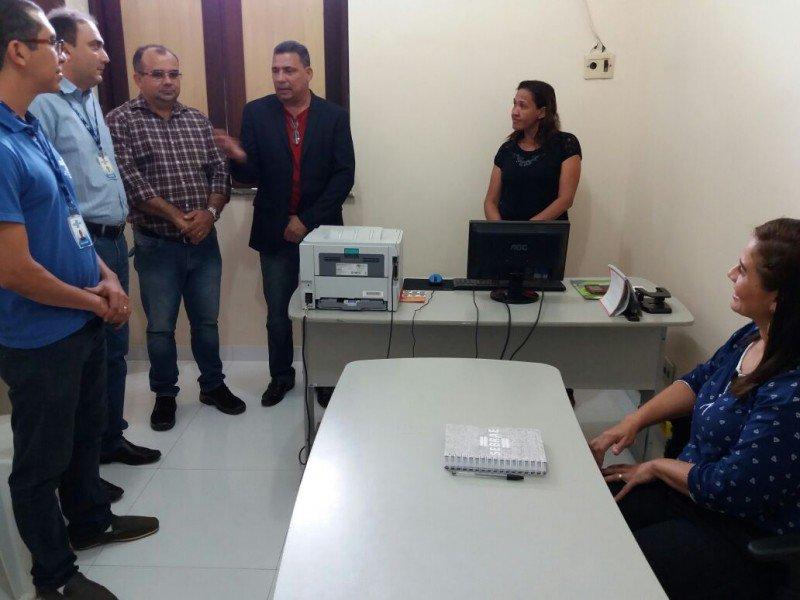 FOTO 02_Equipe do Sebrae conhece local onde funcionara a Sala do Empreendedor