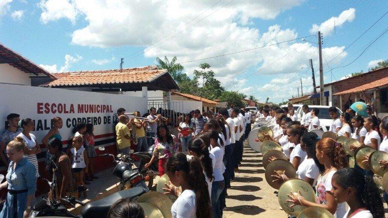 Inauguracao - Escola Reinaldo Cordeiro de Lima - fachada