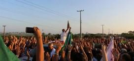 Uma multidão acolhe a imagem peregrina de Nossa Senhora Aparecida em Pindaré Mirim