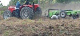 Com iniciativa do vereador Márcio e parceiros, jovens estão participando do curso de operador de trator agrícola em Pindaré